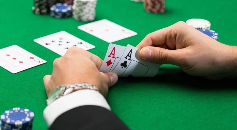 Panduan Bermain Texas Holdem Poker untuk Pemula